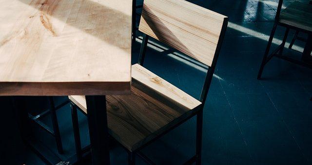 Drewniane wykończenia i meble do domu